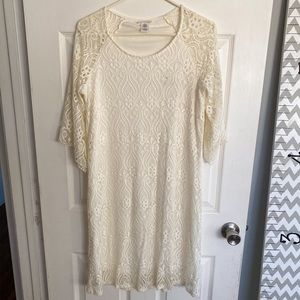 Women's off-white lace dress